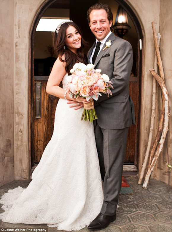 Alisan Porter and Brian Autenrieth on their wedding day at Diablo Dormido.