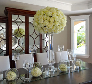 Modern cream roses : Upscale design at a private residence.